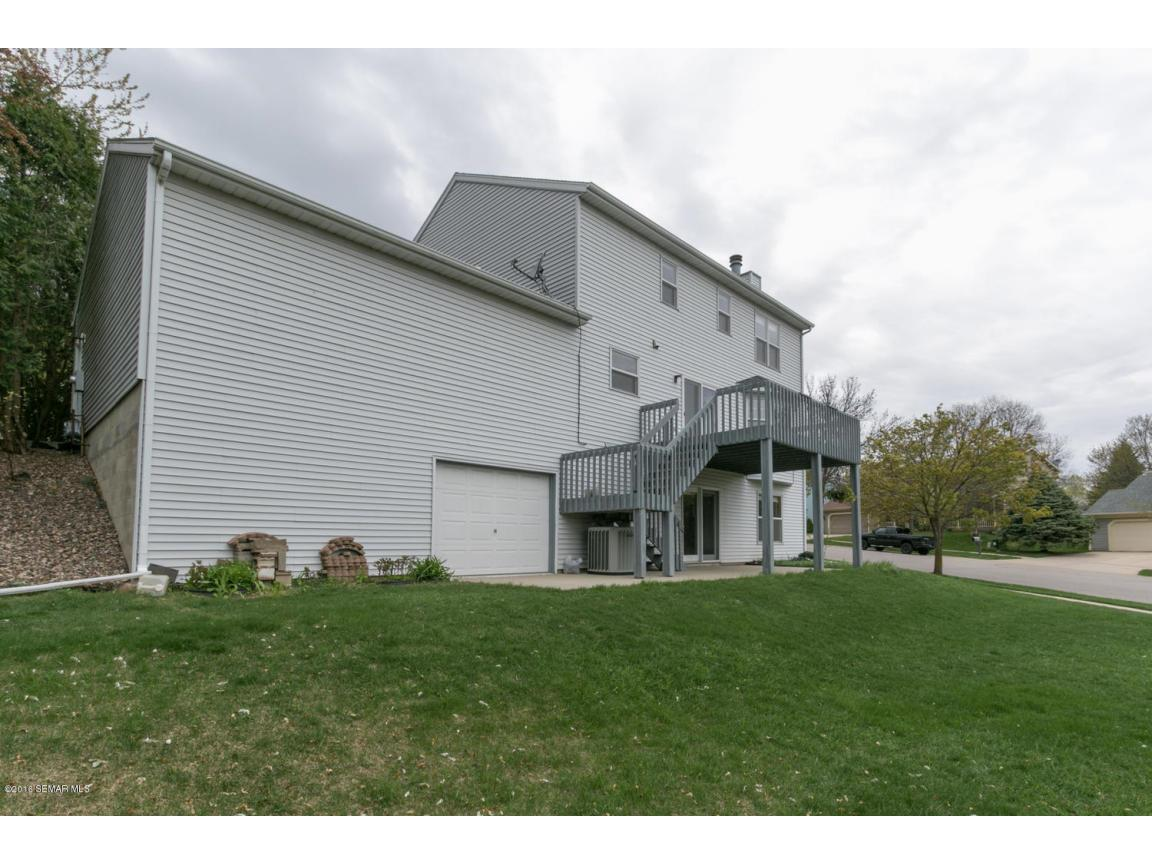 1008 21st Ave SW Rochester MN-large-029-
