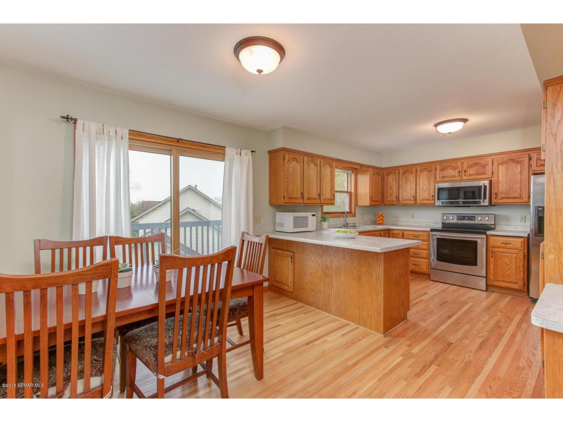 1008 21st Ave SW Rochester MN-large-006-