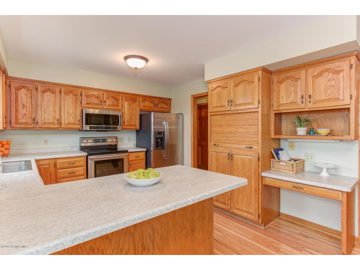 1008 21st Ave SW Rochester MN-large-008-