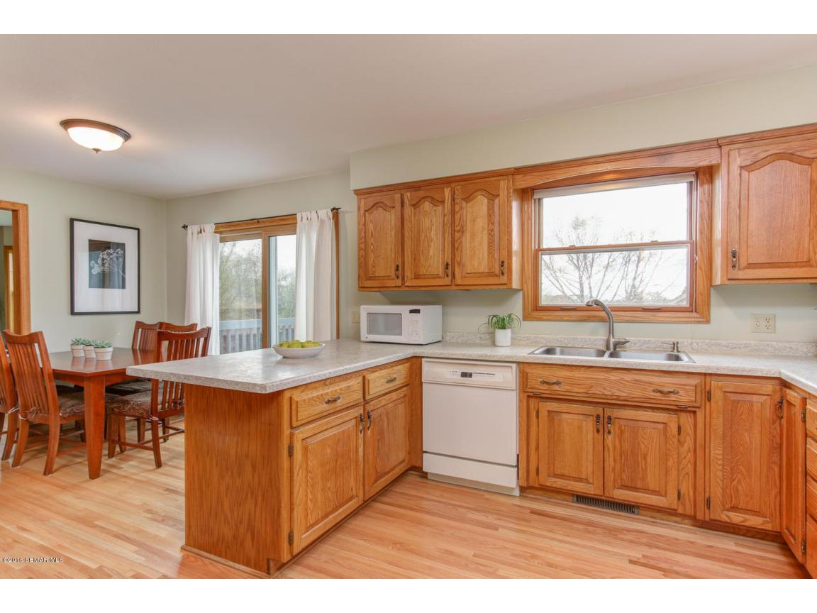 1008 21st Ave SW Rochester MN-large-009-