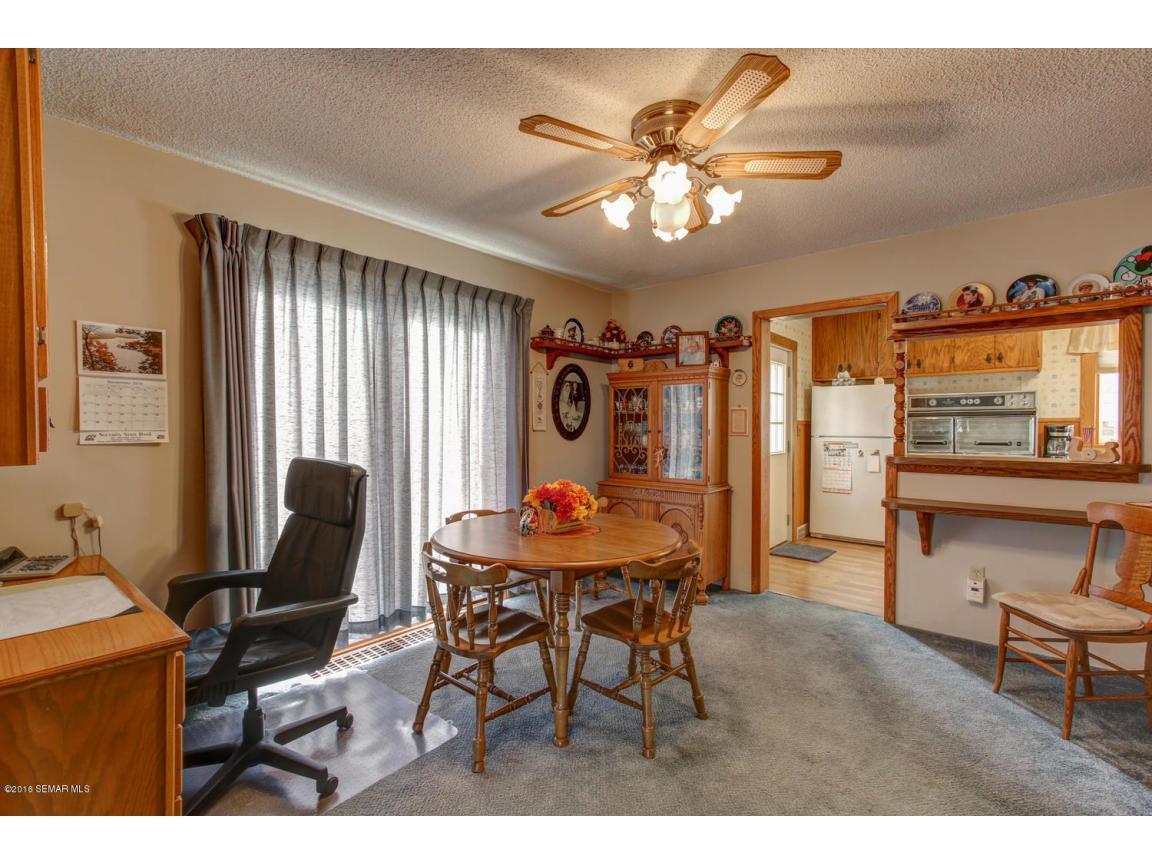 108 1st Ave Wanamingo MN 55983-large-009