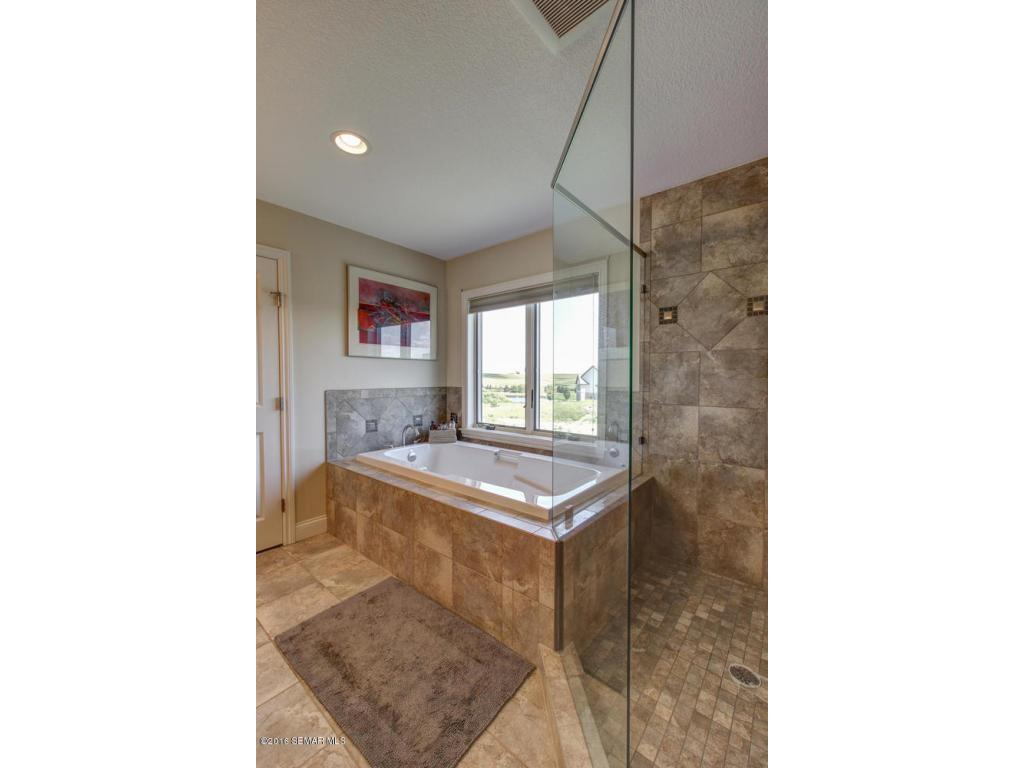 Jetted tub/stand up shower