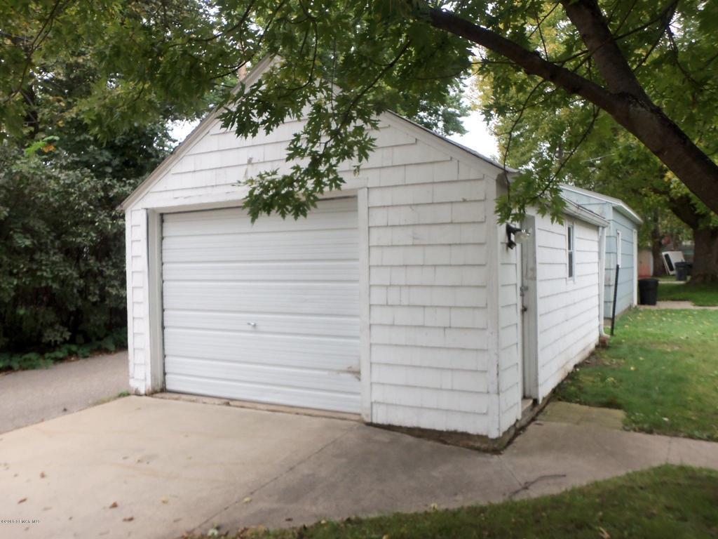 03 garage
