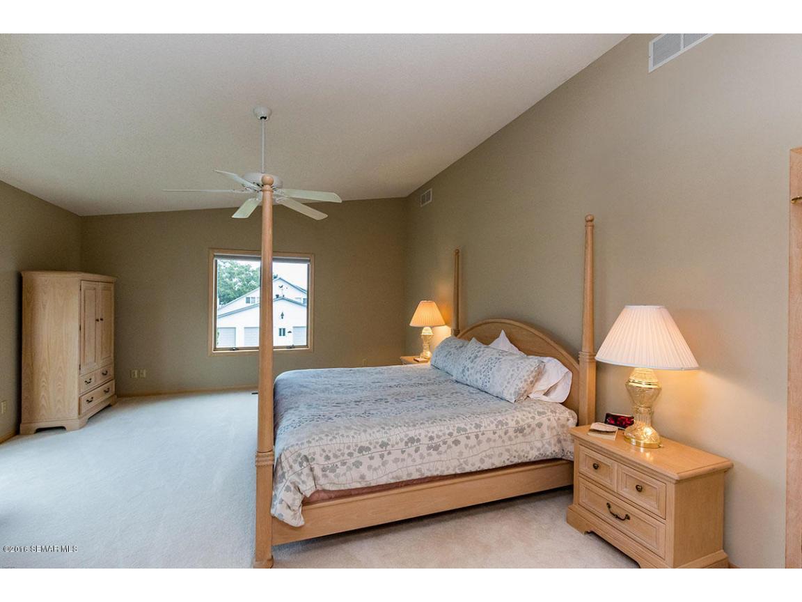 _Master Bedroom2