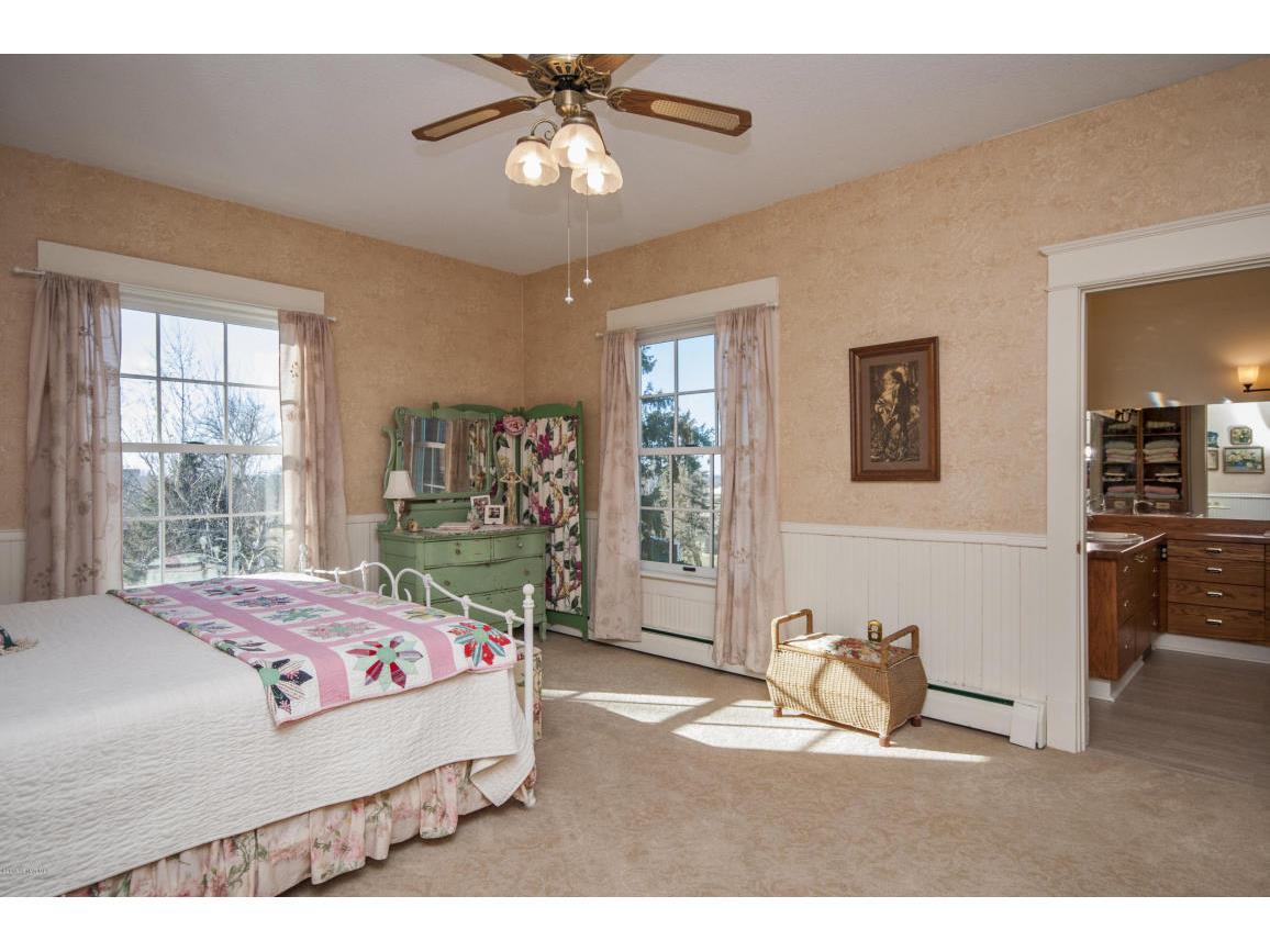 31-master Bedroom 1b