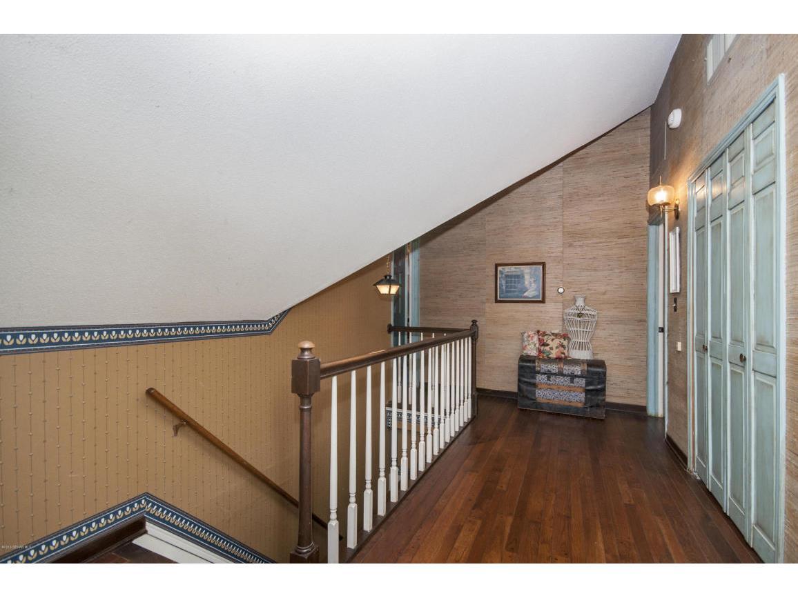 47- third floor Hallway