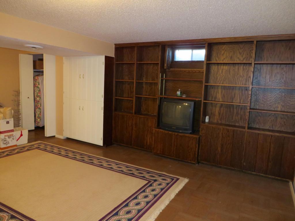 Family Room Built in shelves