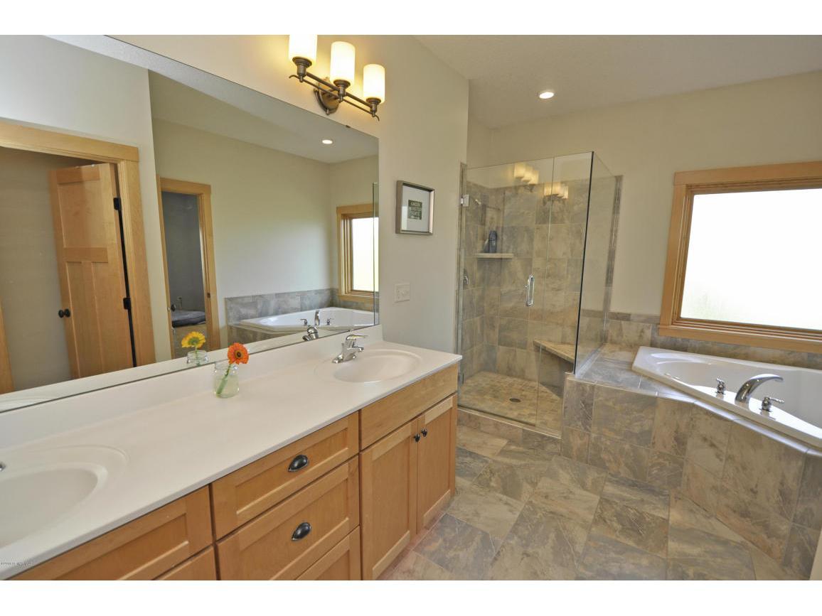 Master Bathroom-Main Floor