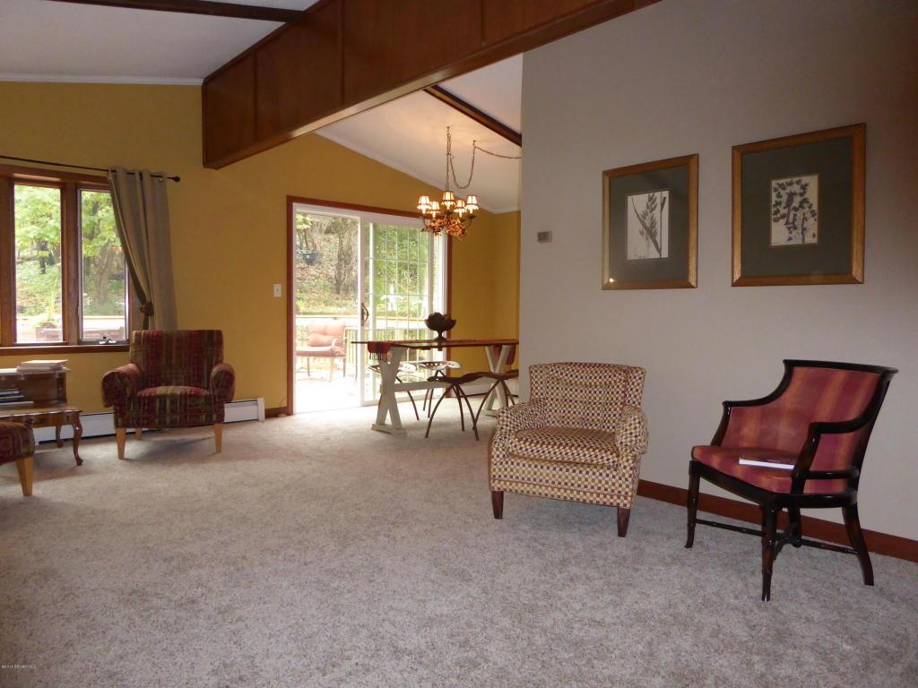Livingroom V4