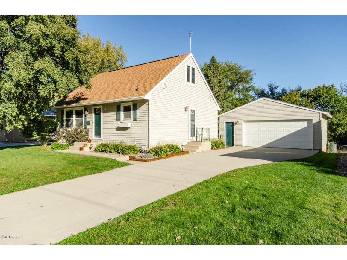 4005 7th St NW Rochester MN-print-002-24