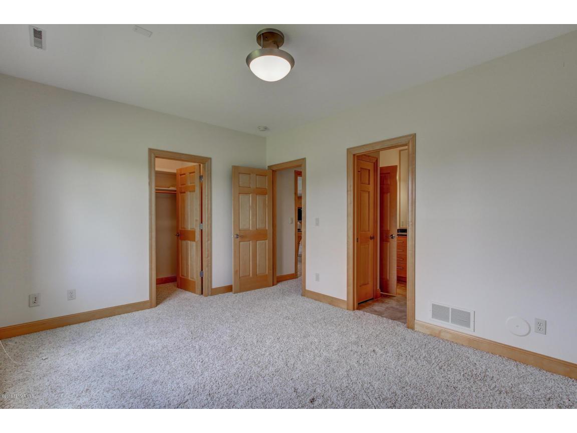 33-Bedroom 3