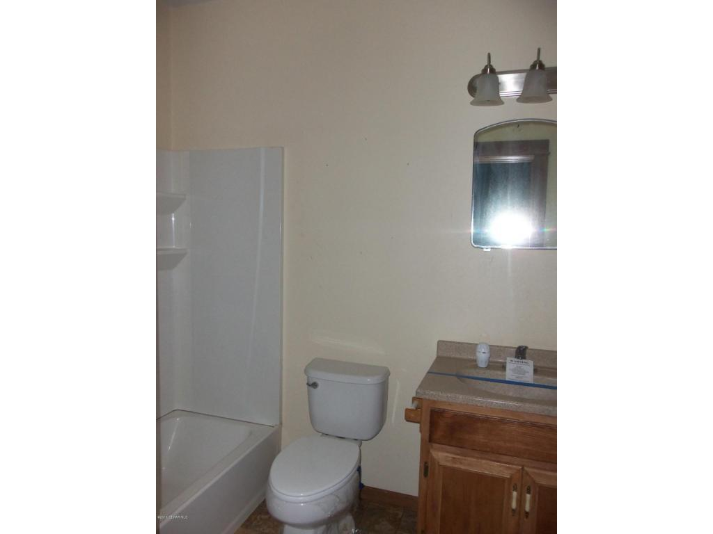 17 main-floor bath