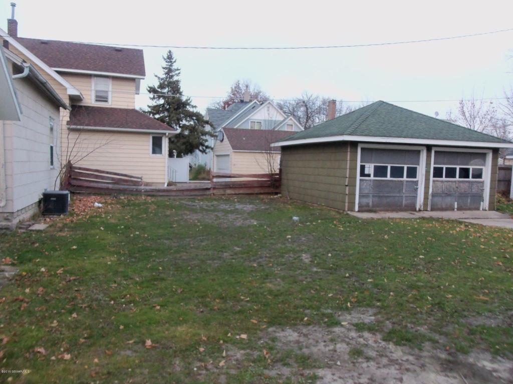05 backyard
