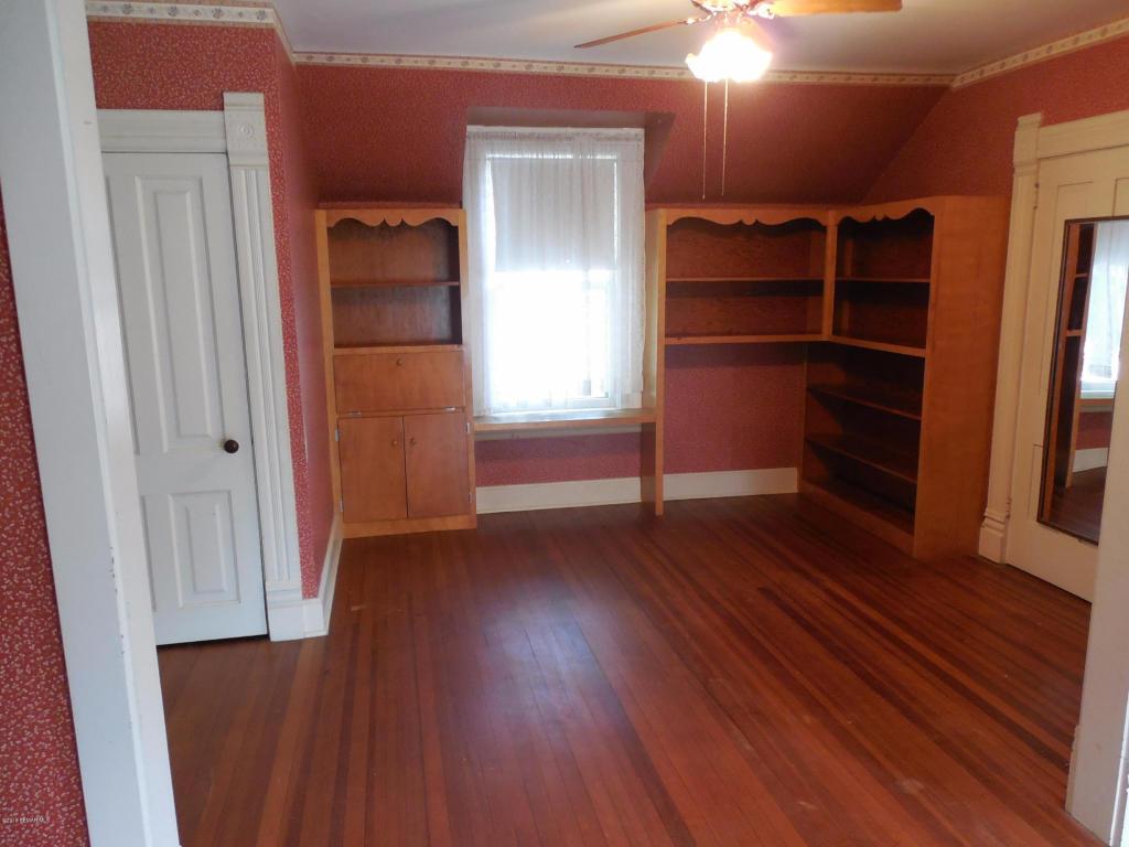 Large Upper Bedroom 1