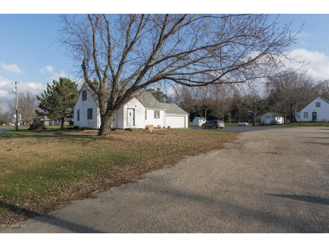 5296 54th St SE Rochester MN-large-029-3