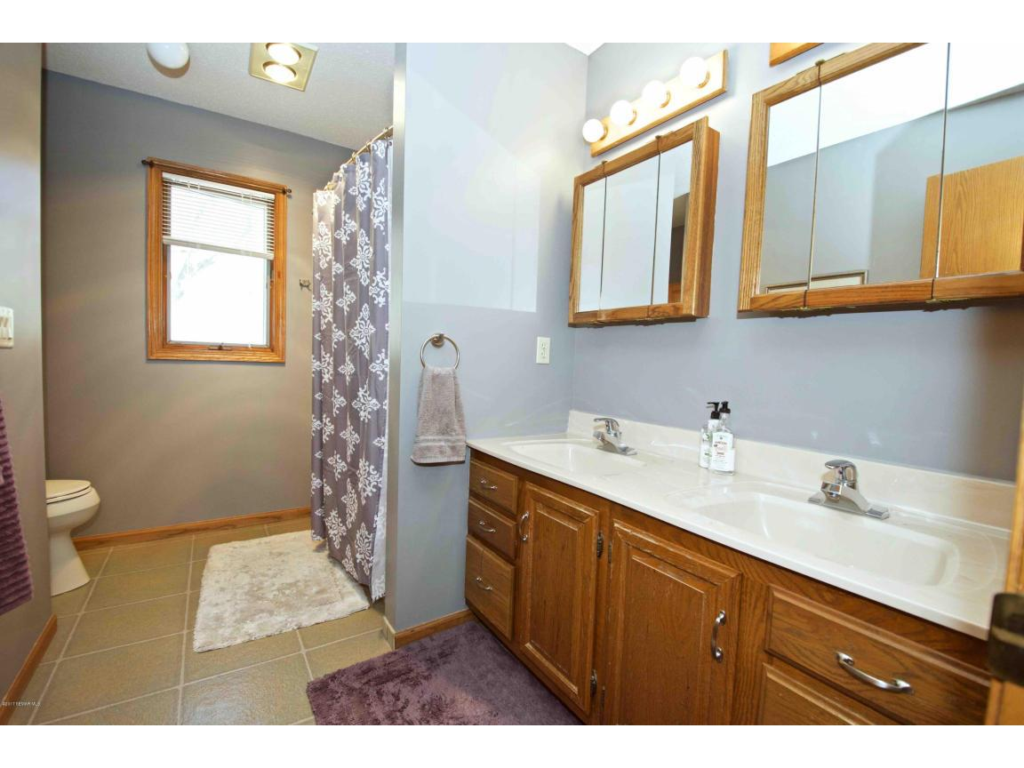Red Oak Bedroom Furniture 62 Red Oak Court Winona Mn 55987 Mls 4077977 Edina Realty