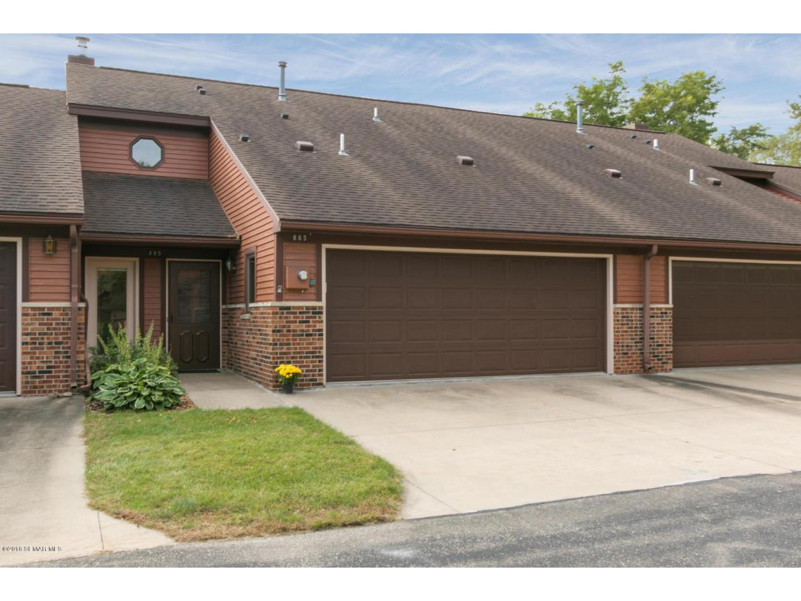 885 15th Ave SE Rochester MN-large-001-1