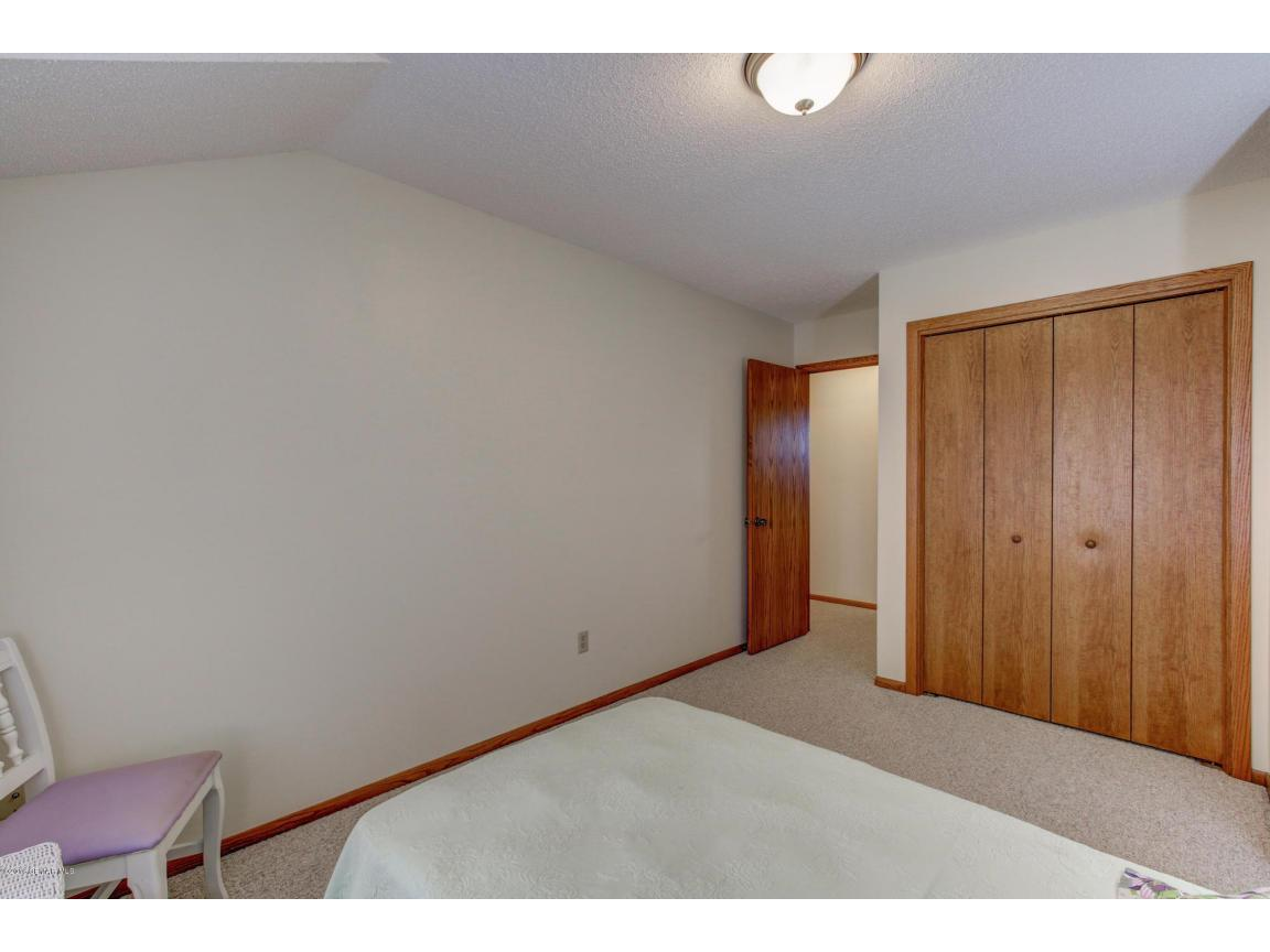 885 15th Ave SE Rochester MN-large-024-2