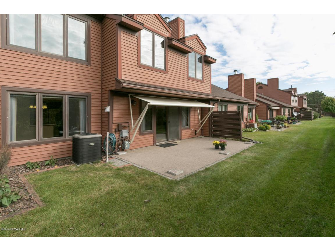 885 15th Ave SE Rochester MN-large-031-3