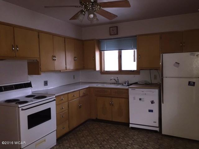 107 8th Kitchen 2