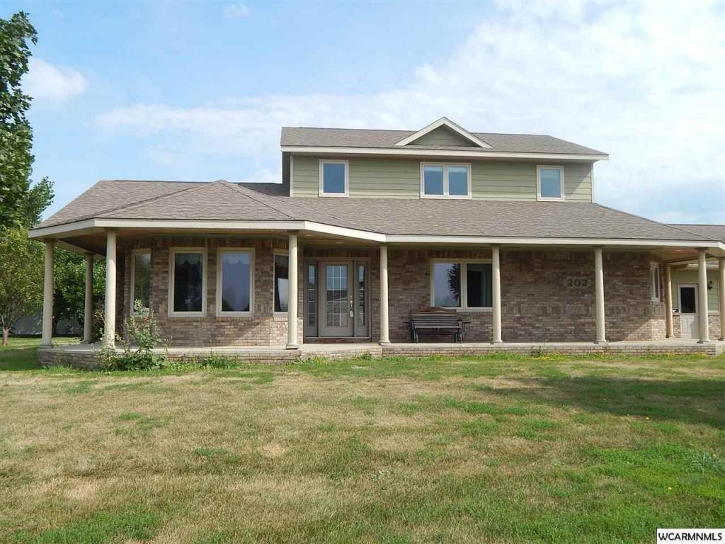 202 Prairieview Court, Marshall, MN - USA (photo 1)