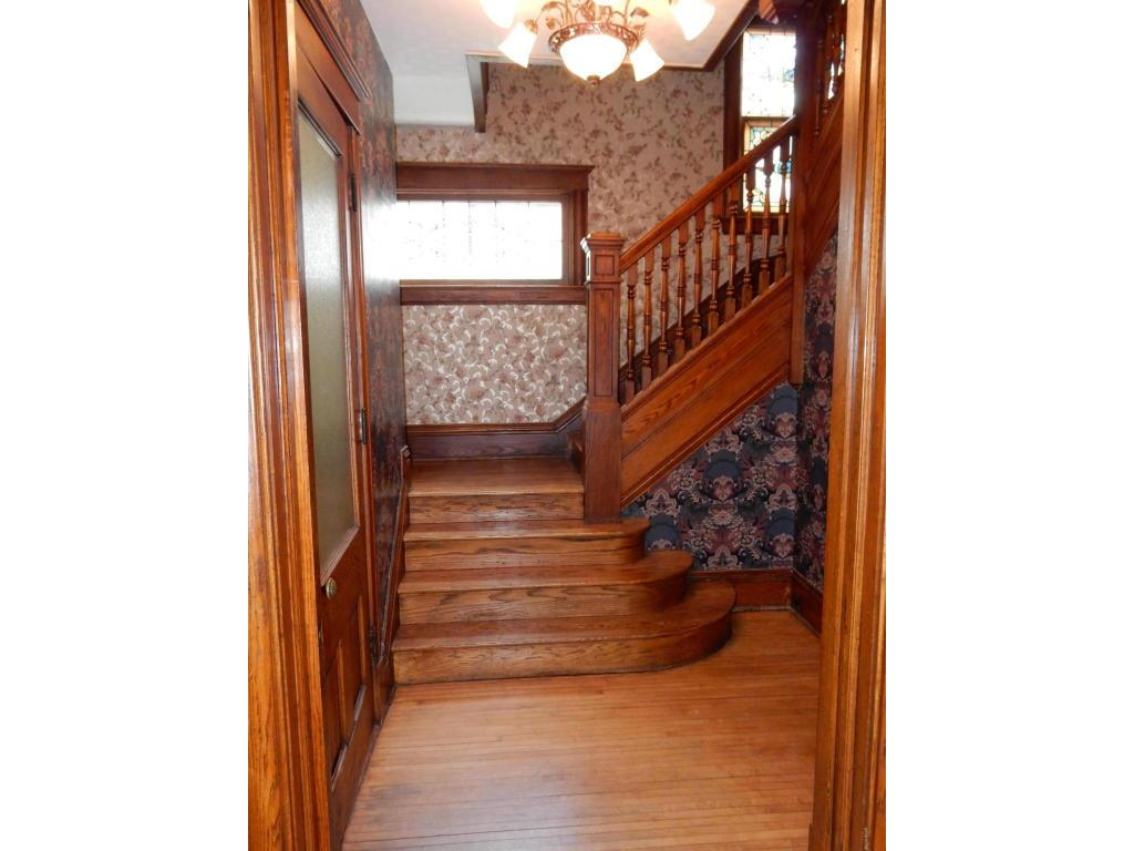 Entry w/ Grand Stairway