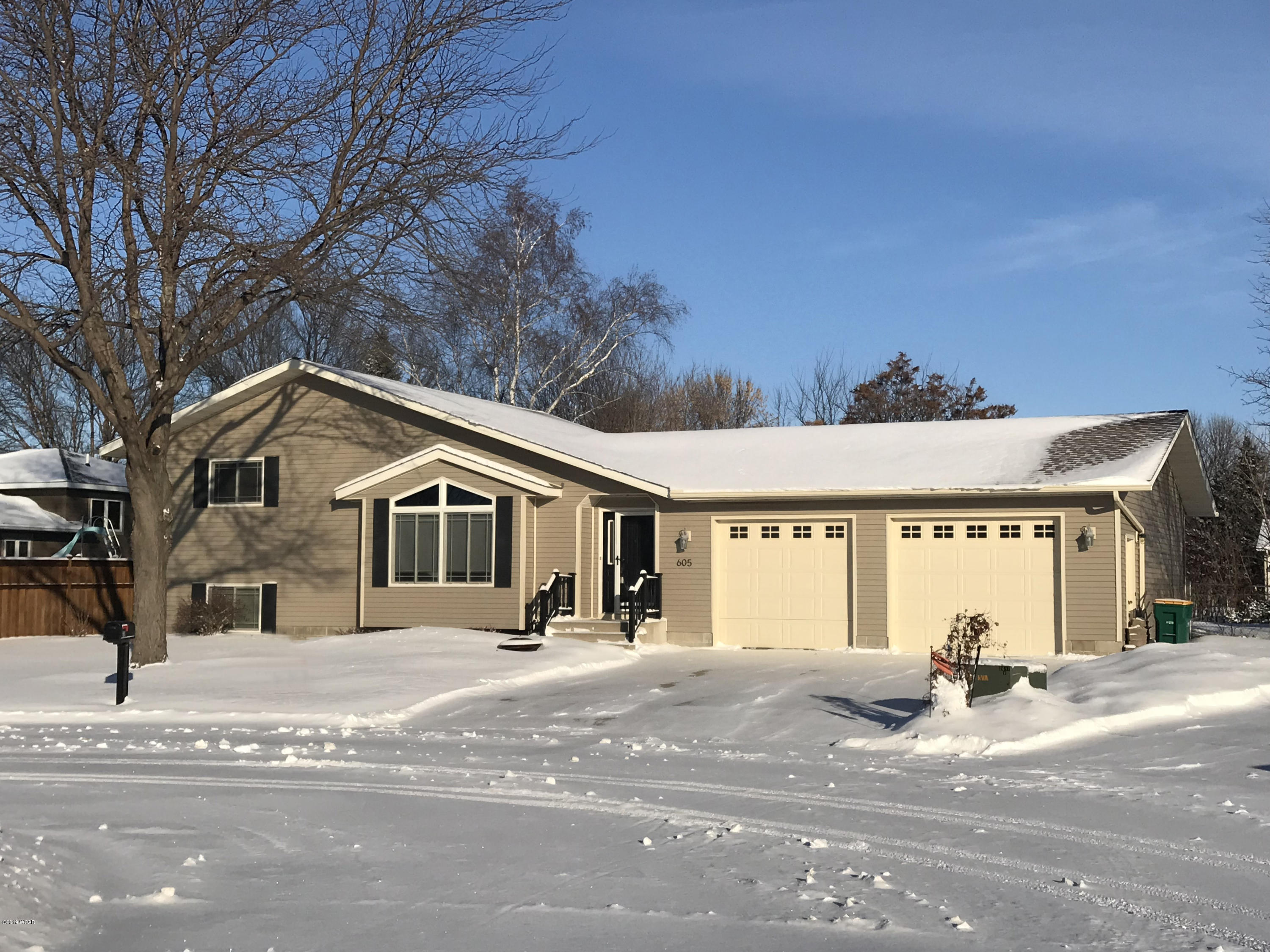 605 Prospect Circle, Marshall, MN - USA (photo 1)
